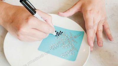 Trang trí sứ bằng bút Sharpie