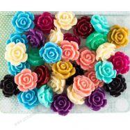 Hoa trang trí sắc màu