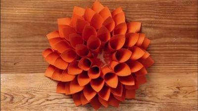 Tự tay là hoa giấy Dahlia trang trí tường